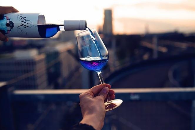 gik-blue-wine-5